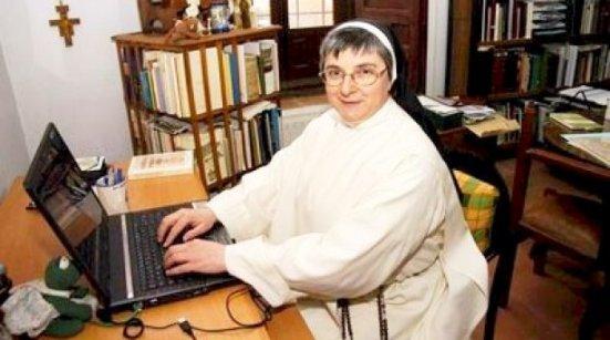 María Jesús Galán. La monja expulsada de un convento por digitalizar sus fondos documentales y estar activa en Facebook